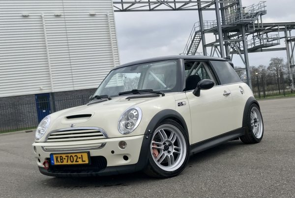 MINI Cooper S on Ultralite F1